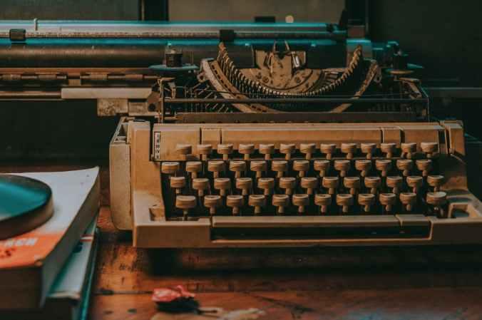 close up photo of vintage typewriter